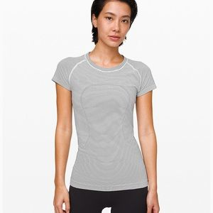 Lulu lemon short sleeve shirt